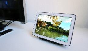 Google's Home Hub is an incredible digital photo frame that's also a smart speaker